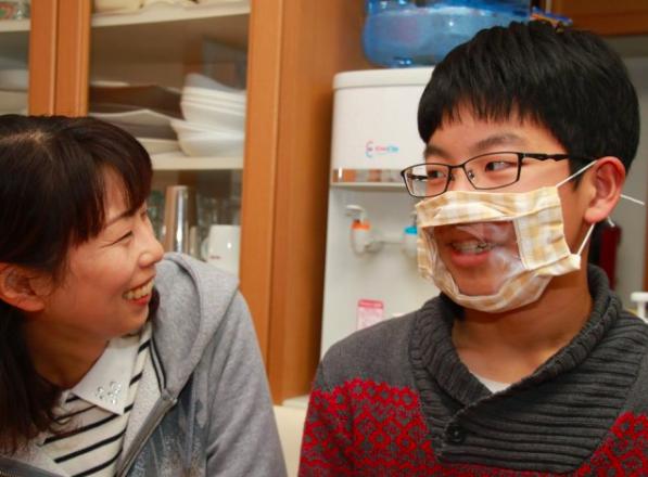 聽障者無障礙口罩 親子開發解決溝通障礙