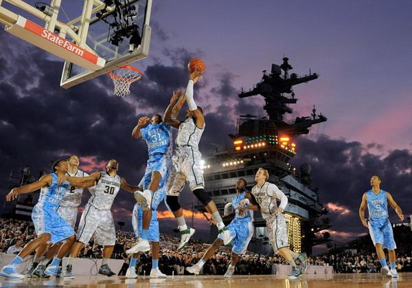 最酷的比賽 航空母艦打籃球