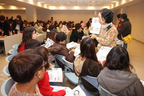 2012高雄國際馬拉松 近300名志工受訓