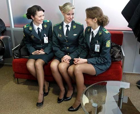 歐洲足球盃》烏克蘭安檢員 美貌賽麻豆