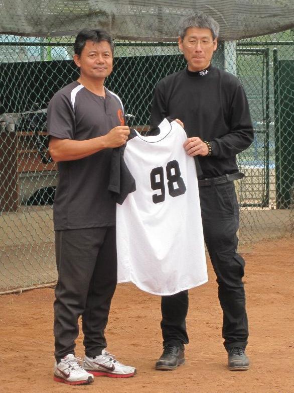 正修棒球隊故社長蕭仲淵98號球衣退休