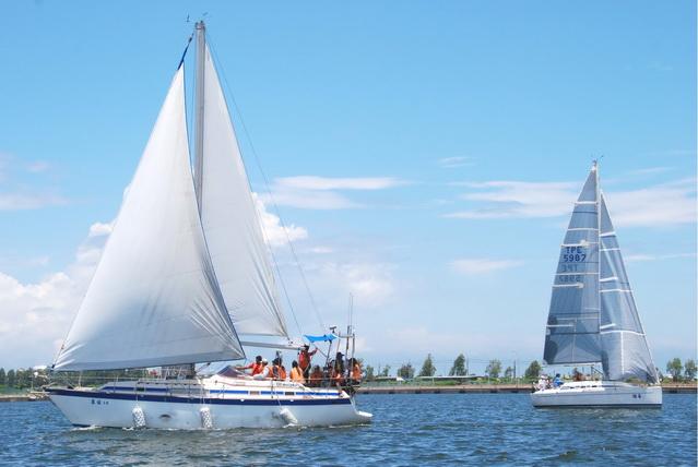 重型帆船繞標表演賽 興達漁港登場