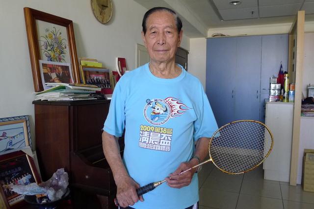 還差3歲 93歲吳炳炎申請金氏紀錄