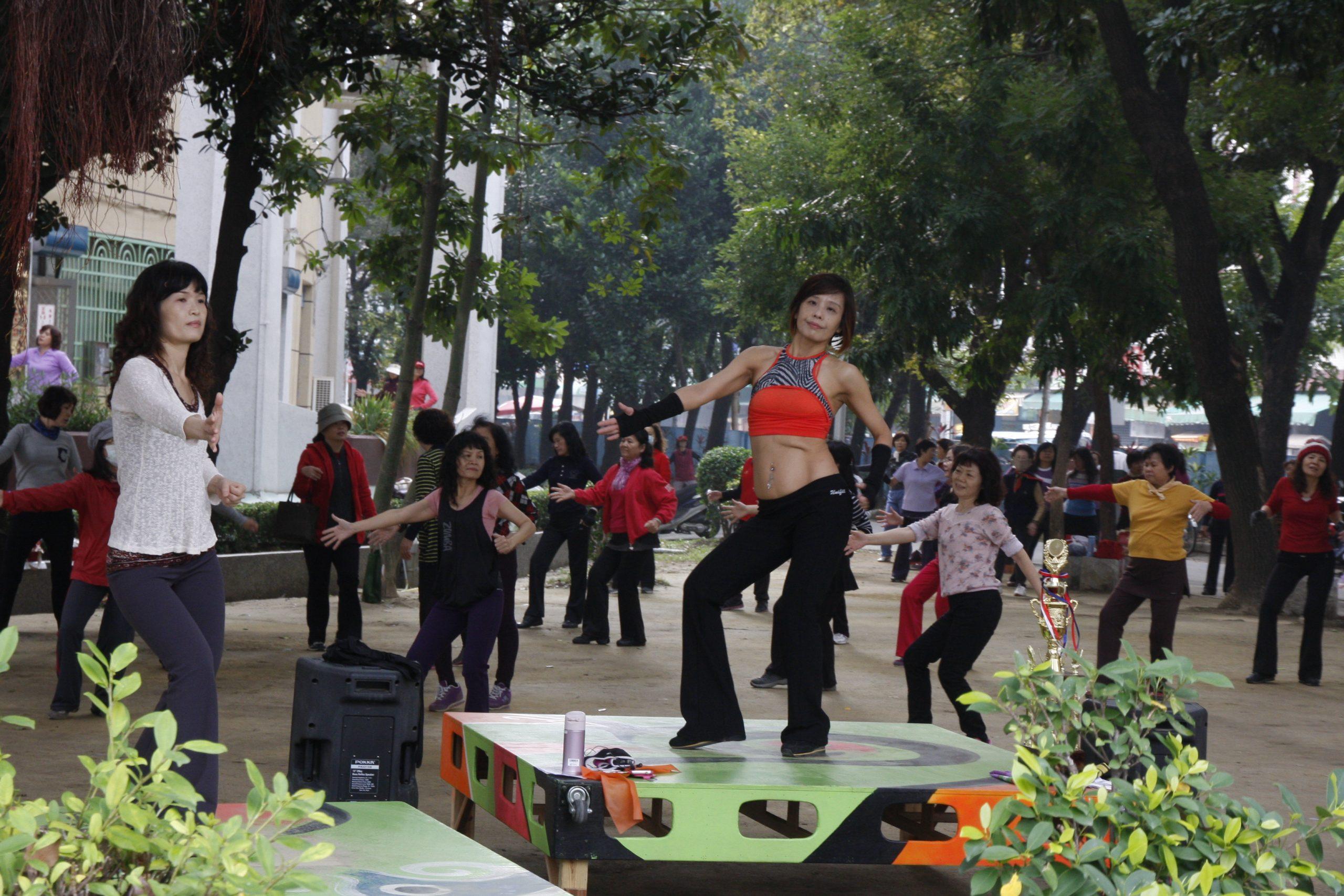 高雄市陽光韻律舞蹈協會 邀您一起過年運動甩油