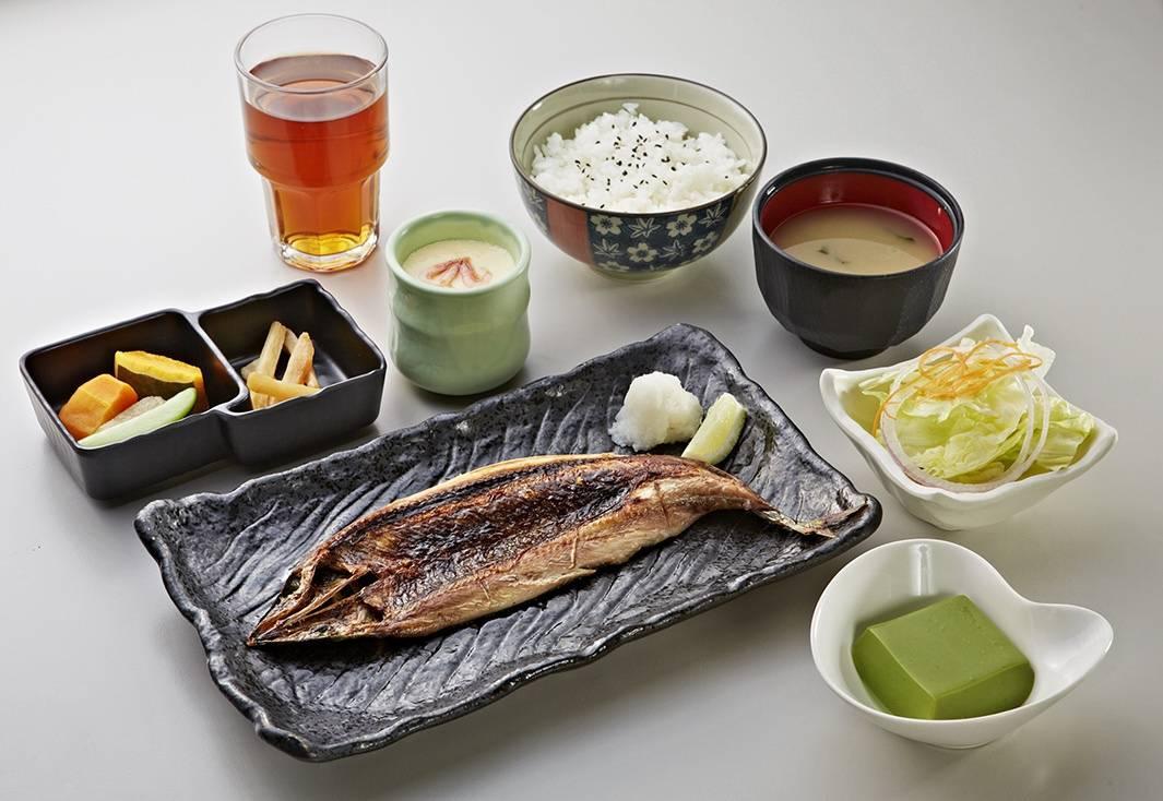 高雄秋刀魚季登場 2800份秋刀魚料理免費品嚐