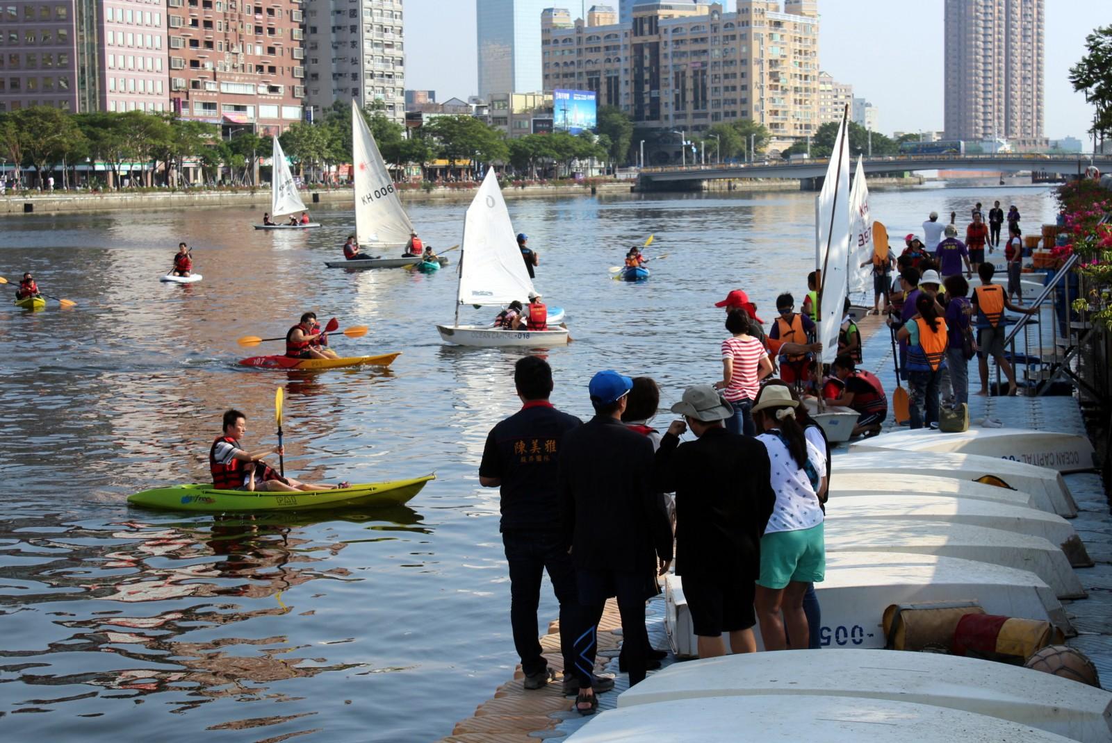 2015愛河親子帆船體驗開幕啟航 30艘各式風帆悠遊愛河