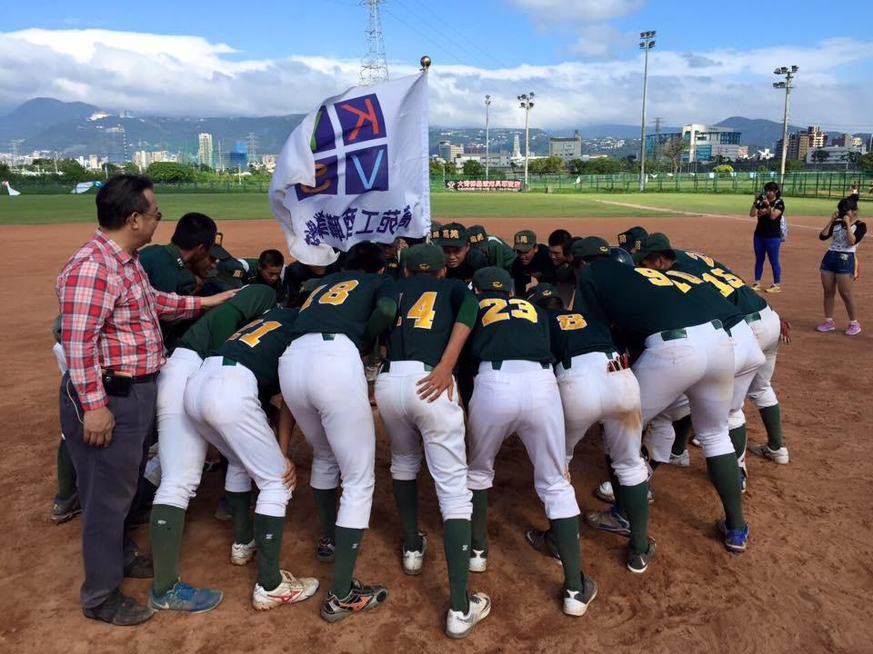 高苑工商奪104學年度高中軟式棒球聯賽冠軍