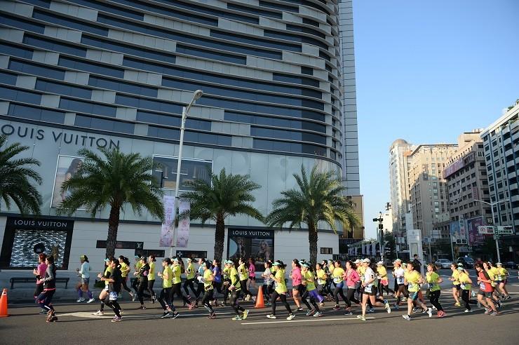 Mizuno Lady's Running開跑 翁滋蔓化身花仙女