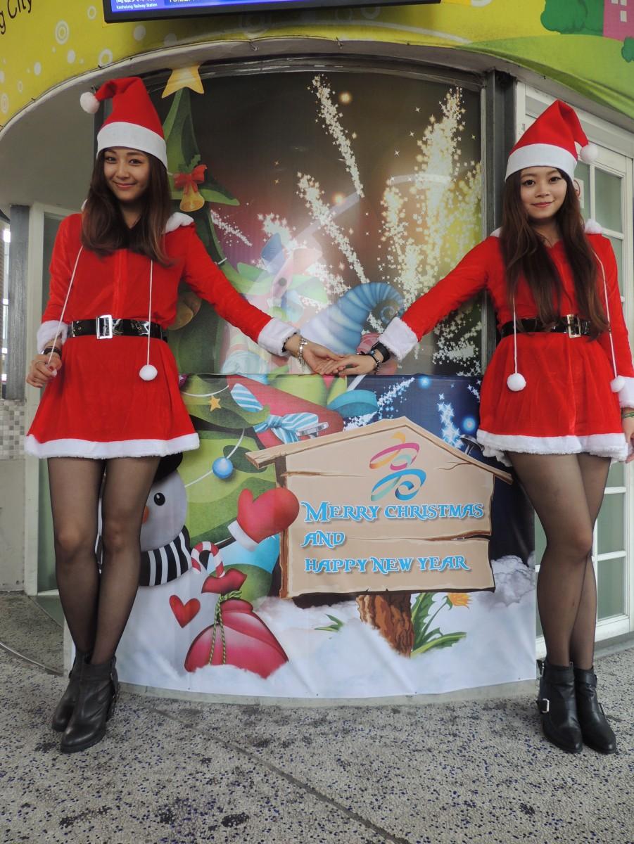 高雄公車站3D創意聖誕佈置 搭公車溫馨洋溢