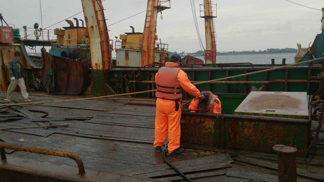 外海風浪不佳  陸籍遠洋船隊緊急進港避難