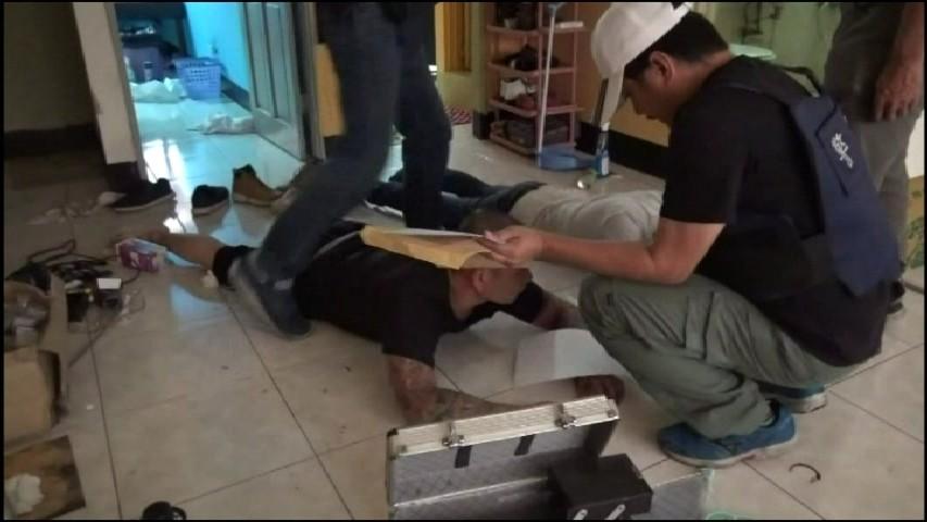 搬家公司涉槍毒還率員工持刀砍人