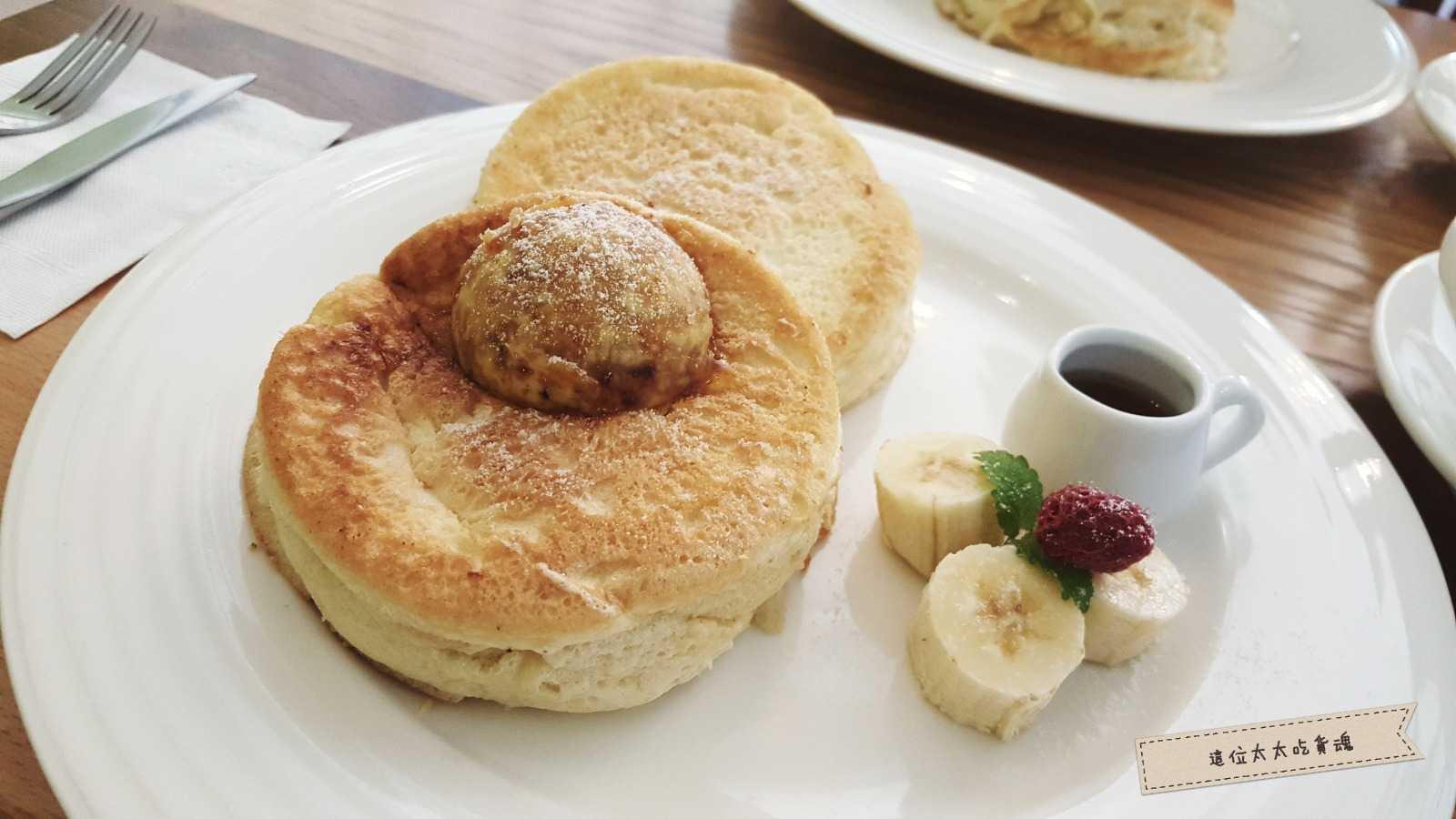 這位太太吃貨魂》日式厚鬆餅的逆襲,份量厚實,Tori's Cafe口味清新自然。