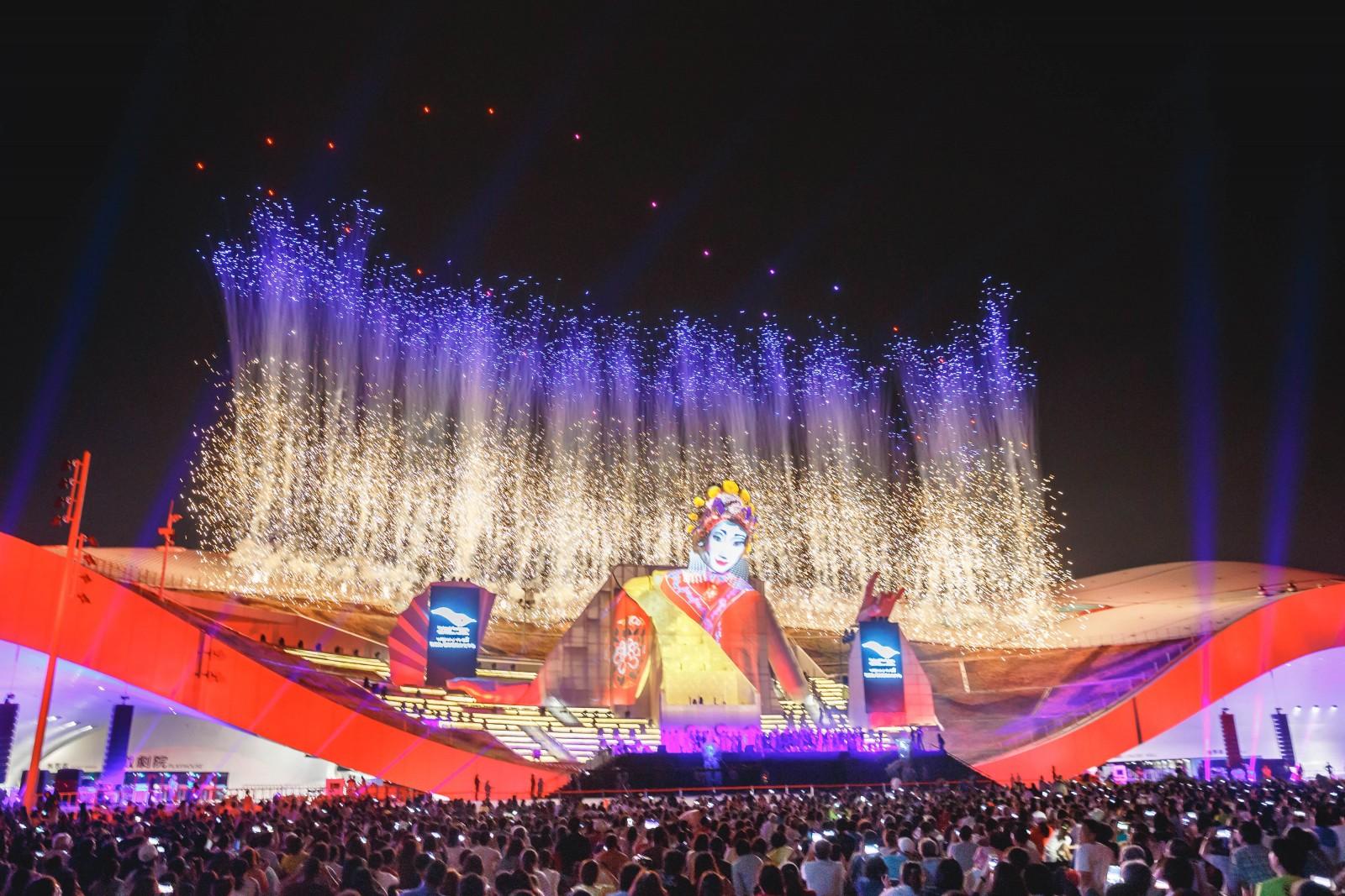 全世界最大單一屋頂劇院  衛武營國家藝術文化中心啟用