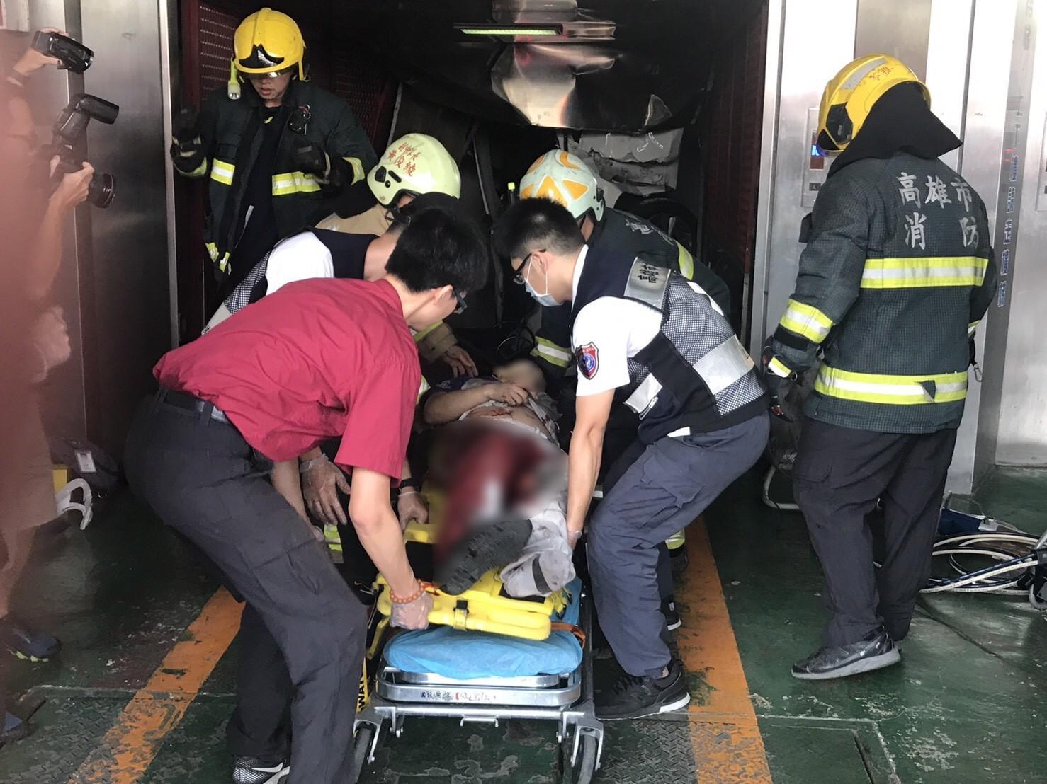 保養廠汽車墜3樓 20歲員工送醫不治