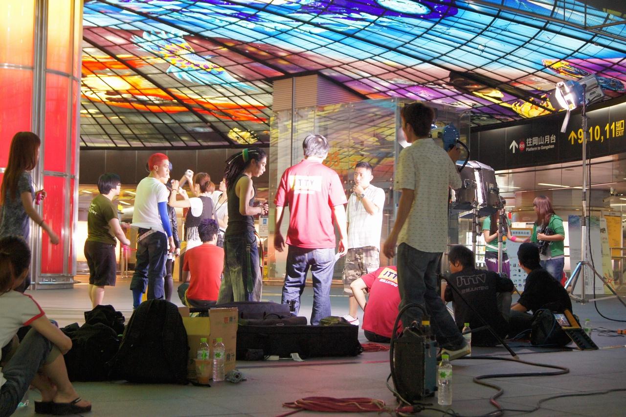 高捷車站與公共藝術,劇組爭取拍攝